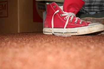 Me quito los zapatos.