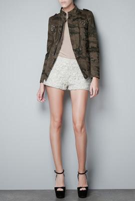 chaqueta camuflaje militar mujer Zara