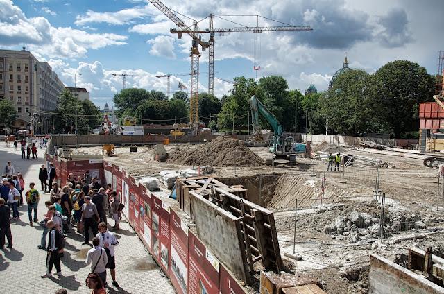 Baustelle Rathausstraße / Spandauer Straße, Neubau Bahnhof Berliner Rathaus bis Bahnhof Brandenburger Tor, 10178 Berlin, 16.08.2013