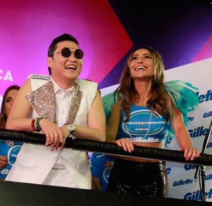 Psy e Sabrina Sato se divertem no Trio de Cláudia Leitte (Foto: Divulgação/ SBT)
