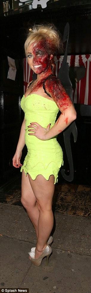 الممثلة الانكليزية الجميلة جورجي بورتر في زي الهالووين