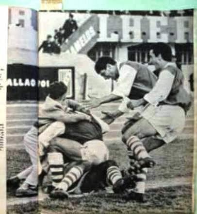 [Imagen: 1965+el-grafico-n2401-12-10-1965-gol-pin...3867-O.jpg]