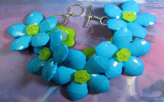 Cute bracelet links big colorful turquoise flower buttons with smaller green buttons