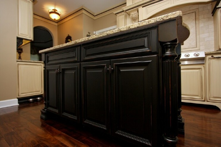 Antique black kitchen cabinets pictures furniture design for Black cabinet kitchen designs