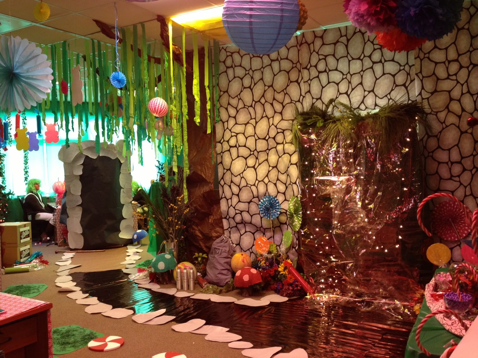 1000 images about willy wonka theme event on pinterest for Home party plans