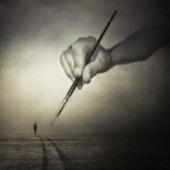 Kasia Derwinska fotografia surreal fantasia soturna solitária triste onírica sonhos photoshop preto e branco