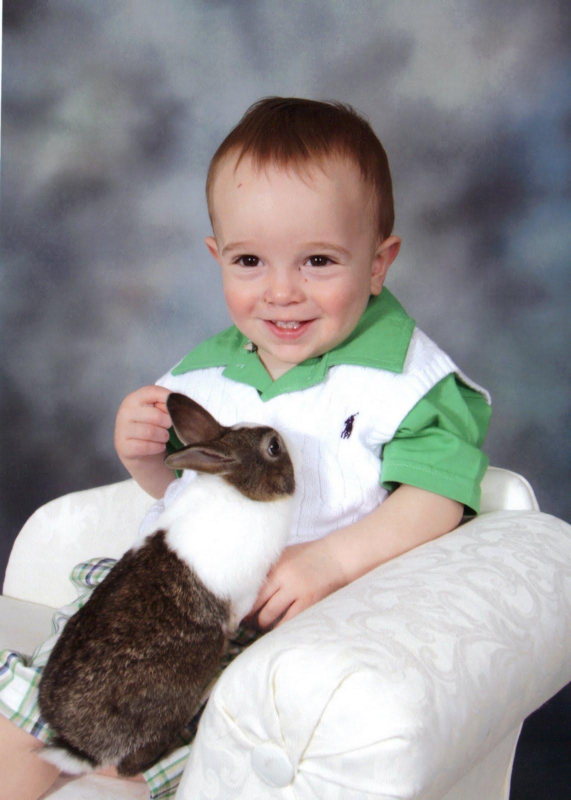 http://4.bp.blogspot.com/-p289MRH_V1Q/TZD_8XnkrPI/AAAAAAAAAuc/x4y9BtiKbFQ/s1600/Easter%25252BMick.JPG