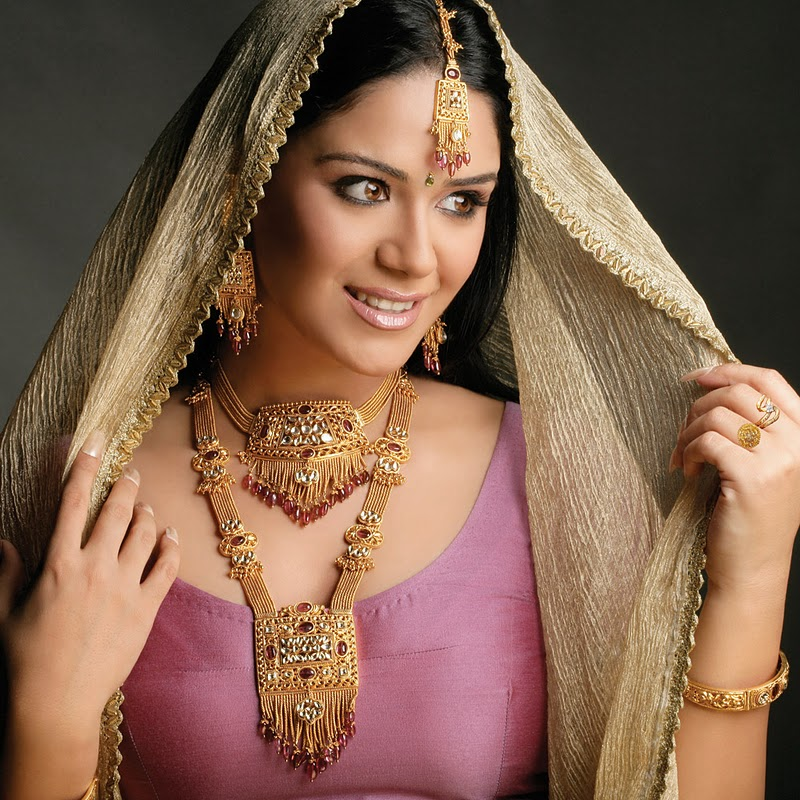 hairstyle coiging: malani jewellers ad