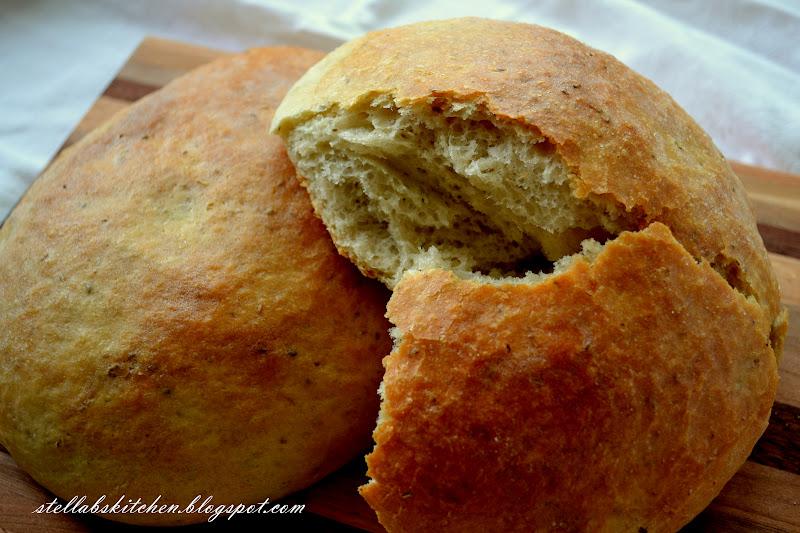 Stella B's Kitchen: Macaroni Grill~ Rosemary Focaccia Bread