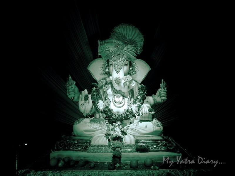 Beautifully decorated Ganesha, Ganesh Pandal Hopping, Mumbai