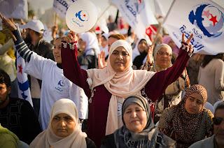http://4.bp.blogspot.com/-p2_DEU2WEQo/TqaJqD1ZnoI/AAAAAAAAAZI/uZpwtlyDrLo/s320/tunisia_islamicists.jpg