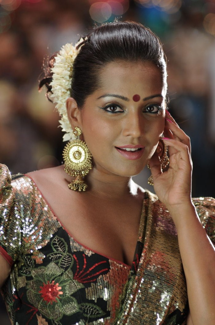 Latest Movies Gallery: MEGHNA NAIDU NEW HOT PICTURES