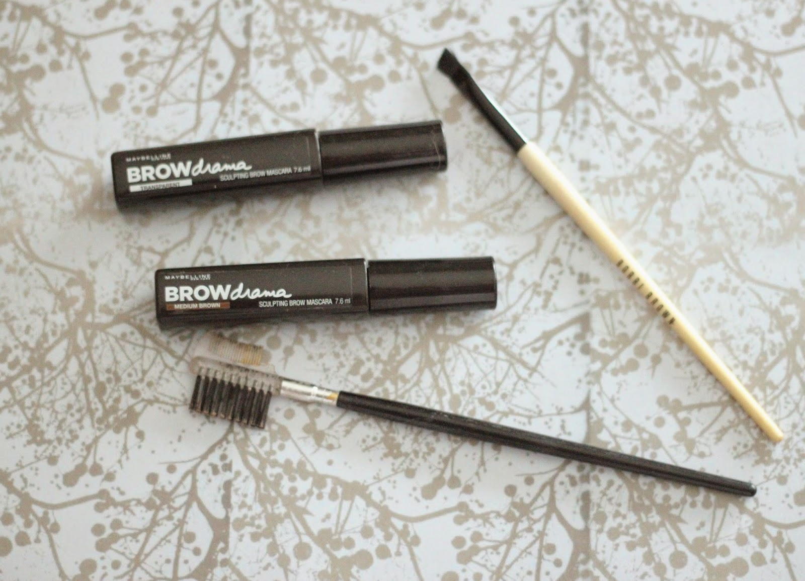 photo-maybelline-brow_drama-transparente-mascara_cejas