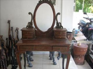 meja rias batik kayu