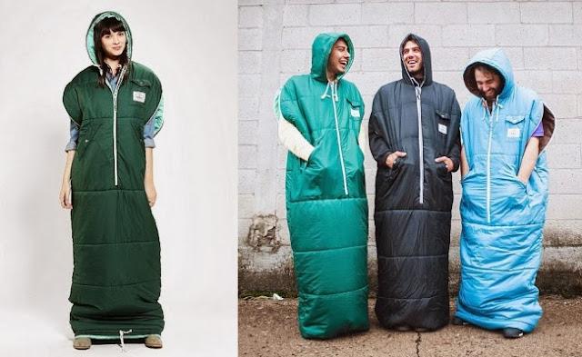 Дизайнеры лейбла Poler представили первый в мире спальный мешок и платье по совместительству.