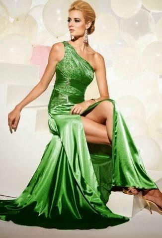 Vestido de Fiesta con un Hombro, Aplicaciones Plateadas y Abertura en Falda