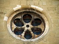 La rosassa radial de la façana de ponent