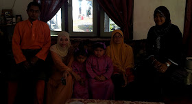 NI FAMILY KITE LAH..^^!