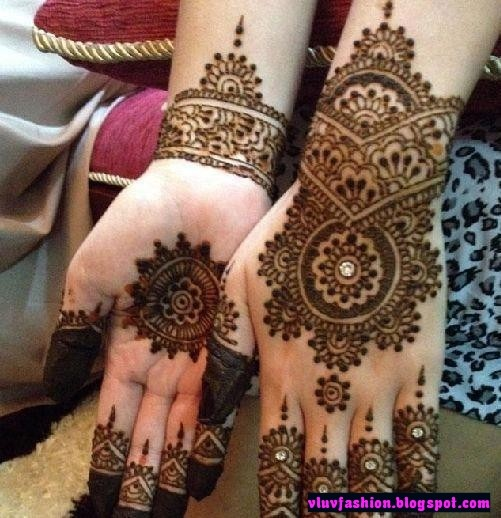 Mehndi Name Hand Name Picture : Latest mehendi designs v luv fash on