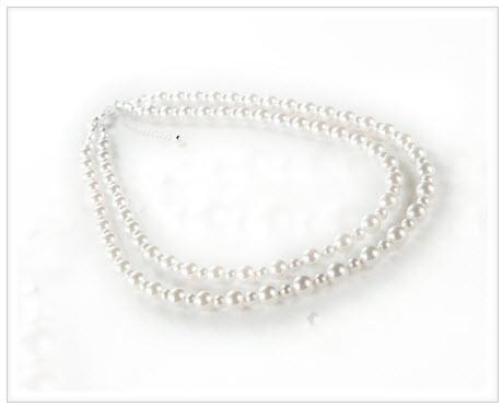 a pearlistic wedding necklace