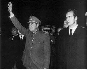 El rey Juan Carlos con el dictador Pinochet