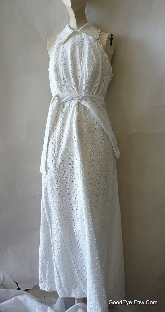 VINTAGE WEDDING DRESS Beautiful Eyelet Halter Dress