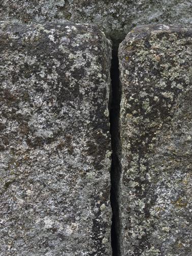 Rock+fissure+smallcmt.jpg