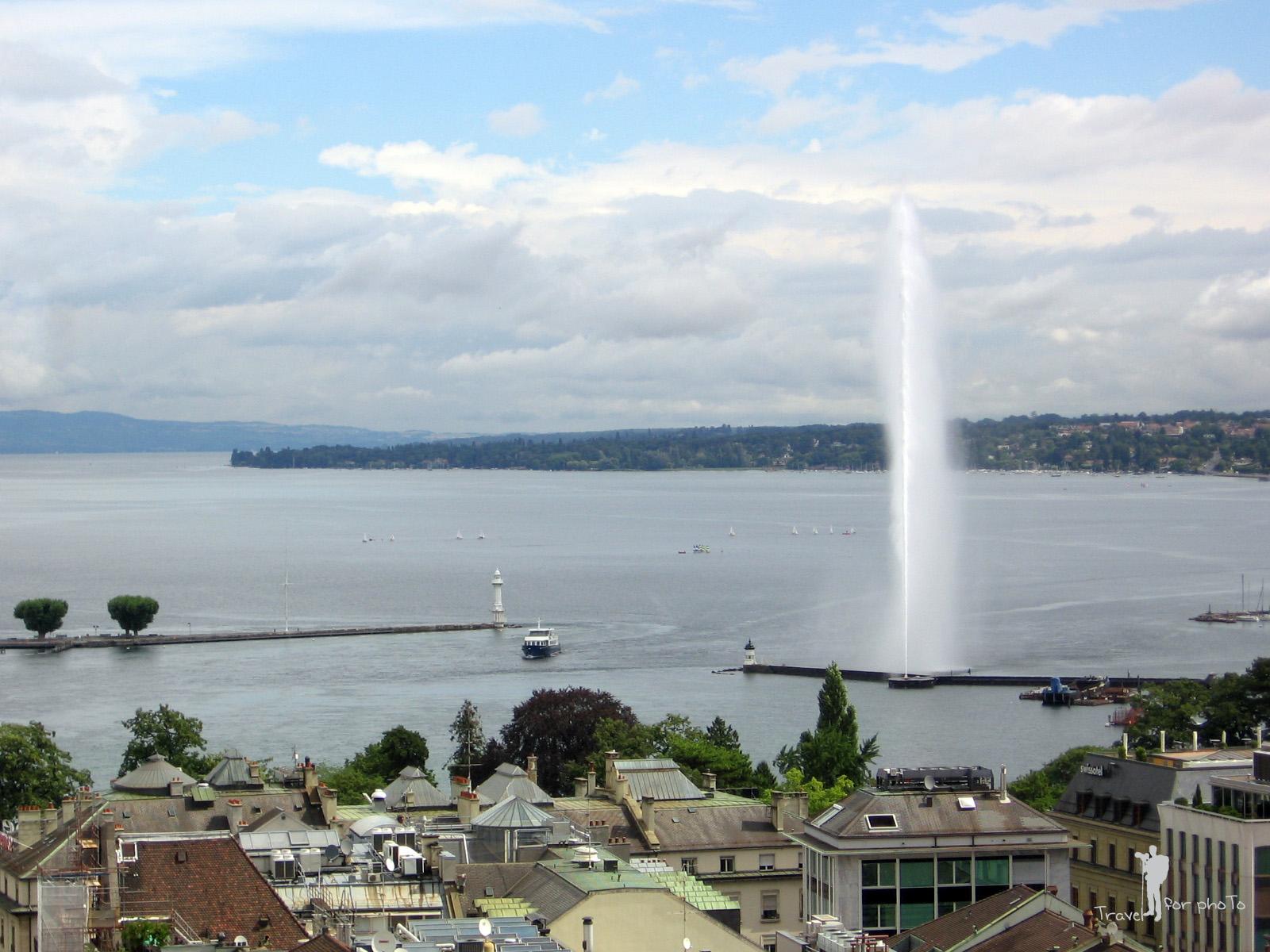 Jetul de apa vazut din turnul catedralei