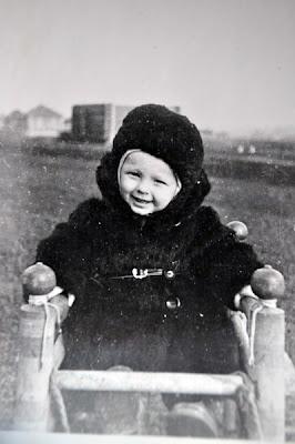 черно-белое детское фото