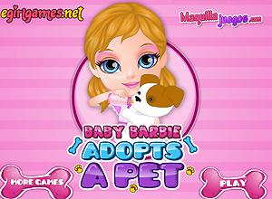 Baby Barbie adopta um cachorro
