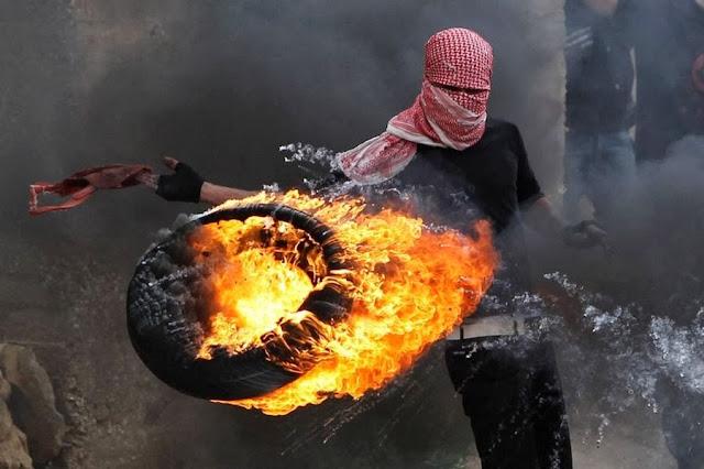 Столкновения между палестинскими и израильскими солдатами