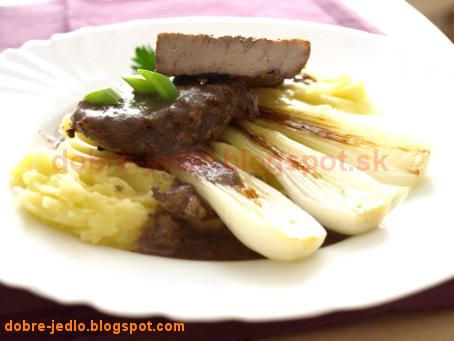 Panenka s teriyaky omáčkou a grilovanou jarnou cibuľkou - recepty