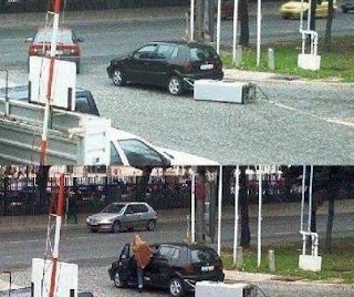 funny picture: woman at the gas station