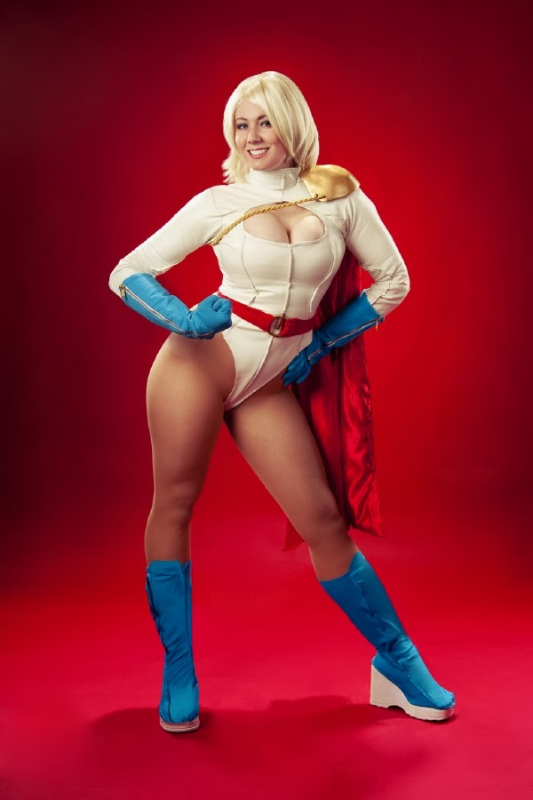 Especial Cosplay: Power Girl (DC Comics)