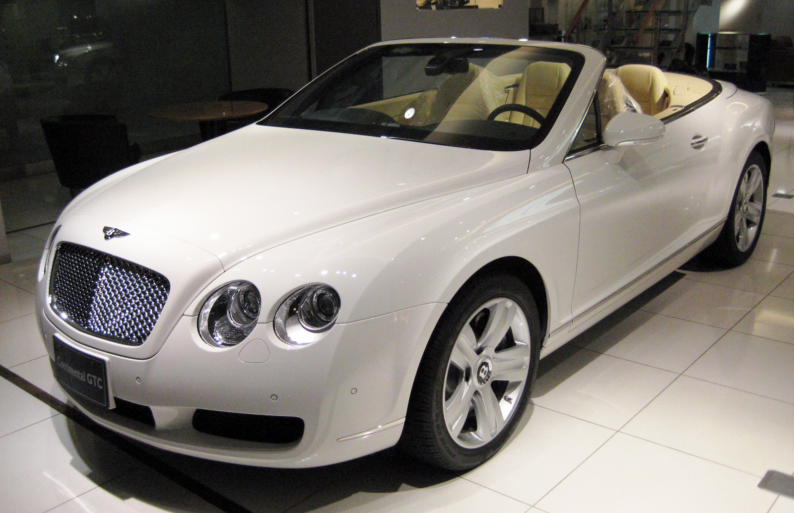 Cool cars bentley continental gt white for The bentley
