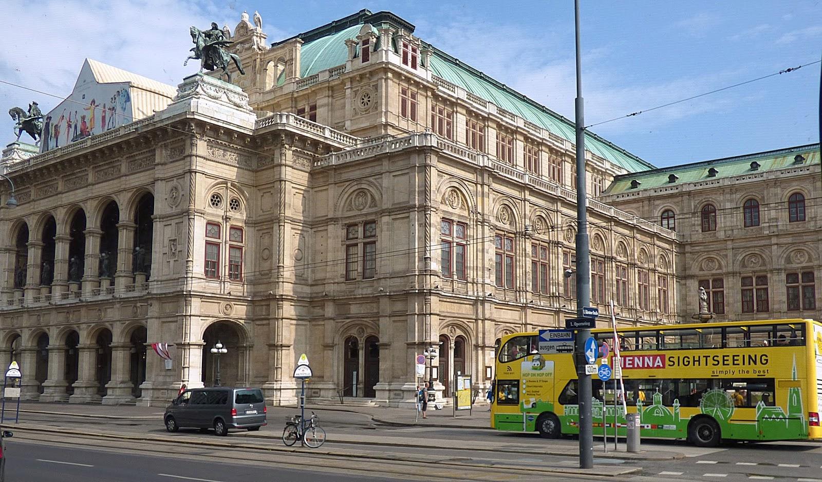 Vienne capitale d autriche voyages cartes for Piscine de vienne