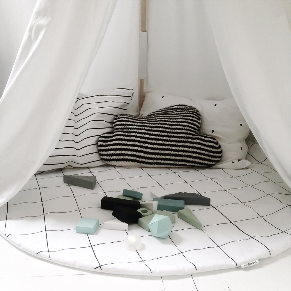 Soft must-haves for the newborn baby - Catsandboys Grid playmat