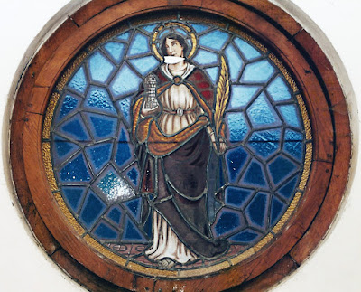 Santa Bárbara en vidriera de la Iglesia parroquial Santa Bárbara de Ablaña de Arriba