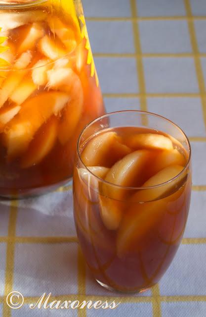 Освежающий чай с персиками. Греческая кухня.