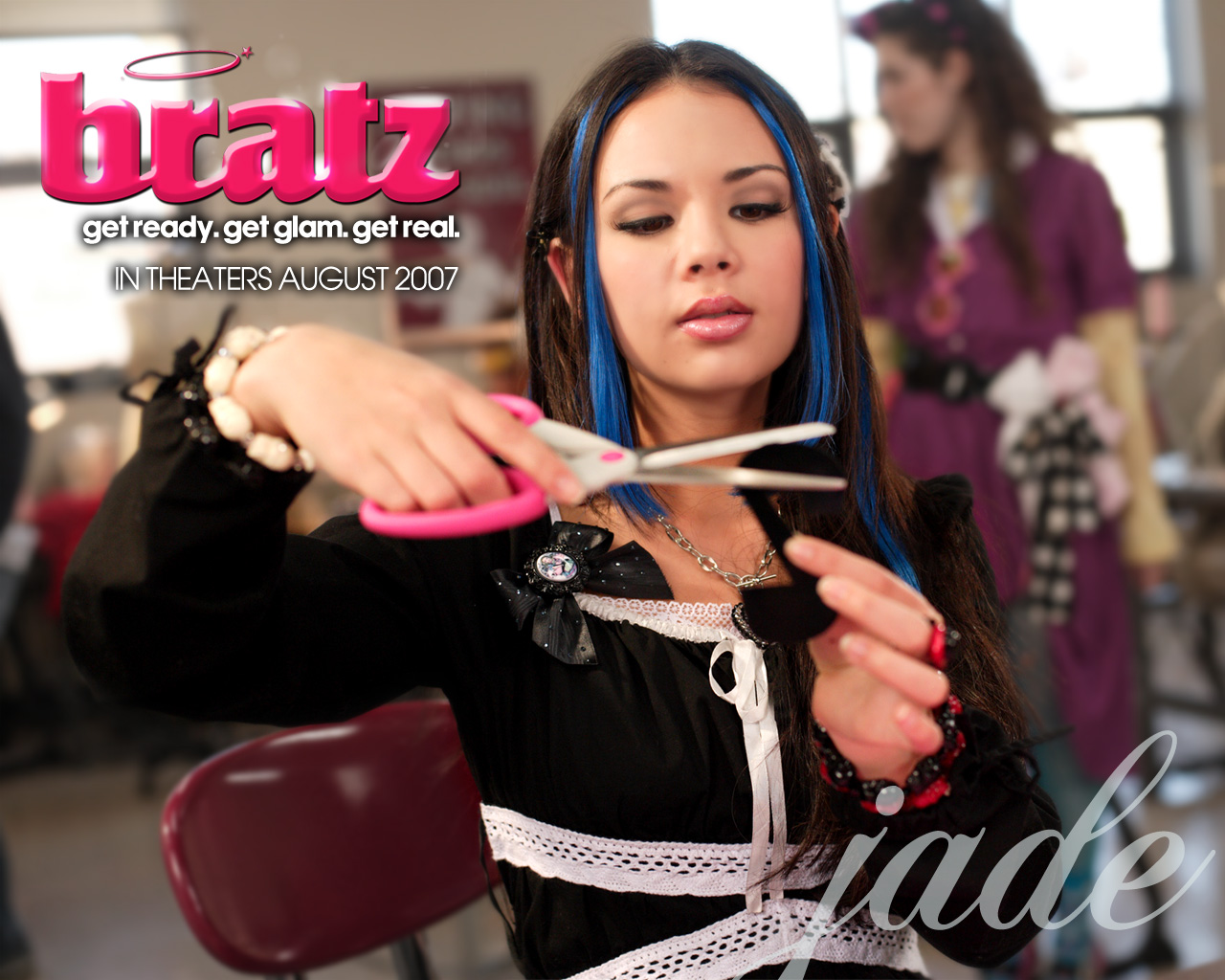 http://4.bp.blogspot.com/-p6TZlFTKm-c/TdT1AM8xsCI/AAAAAAAAAbg/0NXG6CGo-qg/s1600/Janel_Parrish_in_Bratz+_The_Movie_Wallpaper_16_1280.jpg