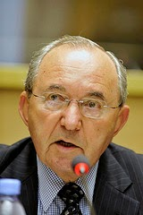 richard goldstone UN judge south africa racism