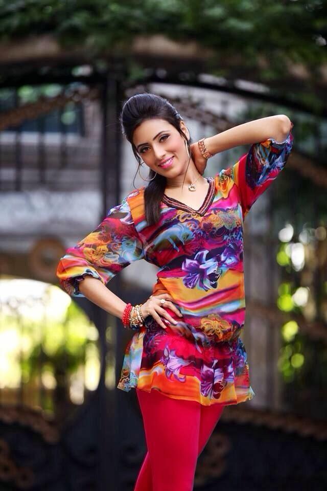 model Bidya Sinha Mim