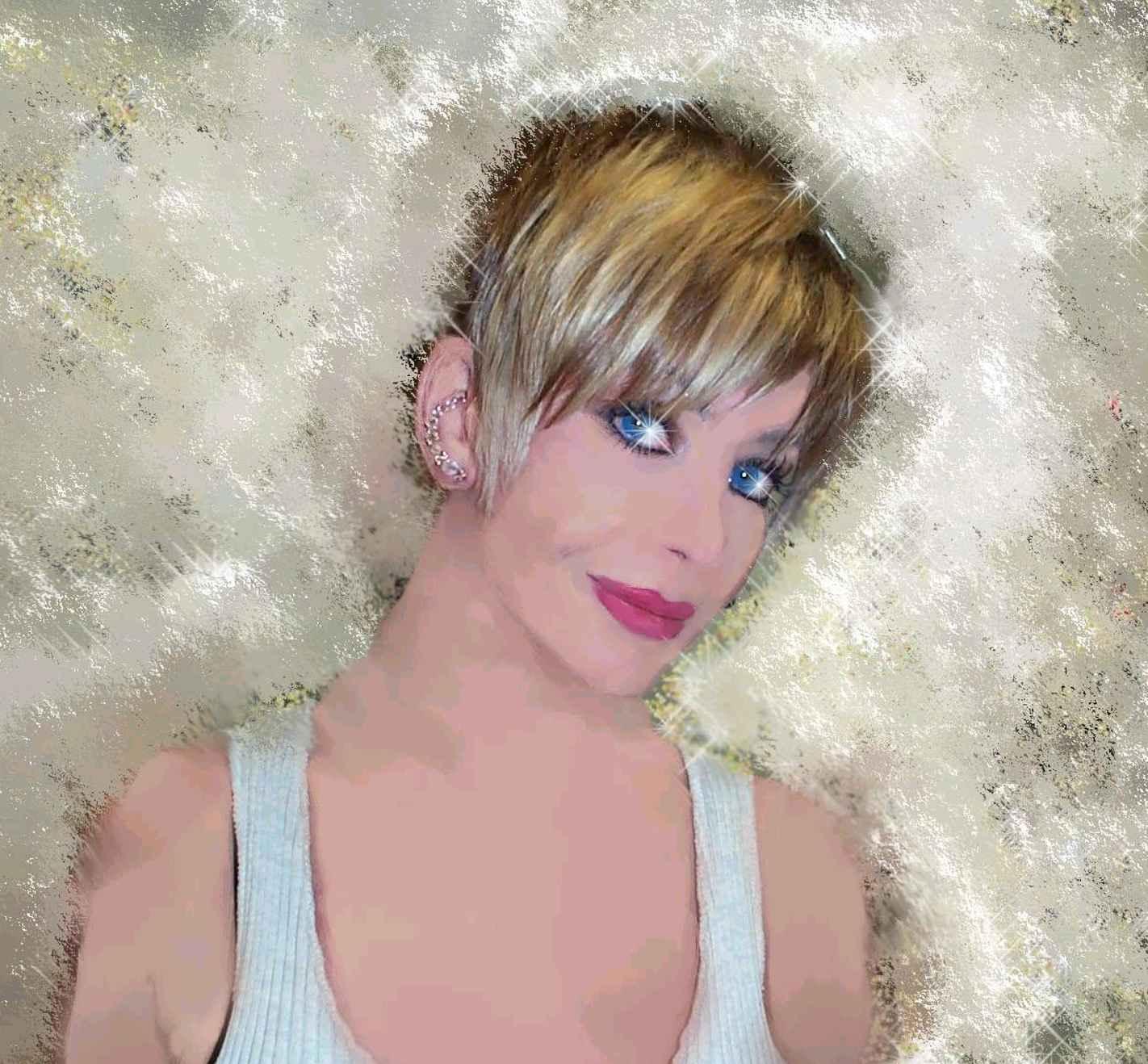 http://4.bp.blogspot.com/-p6obpP9sow8/UH9ktGz_R6I/AAAAAAAAAEk/_aXEwtD6sns/s1600/portrait+Claudia.jpg