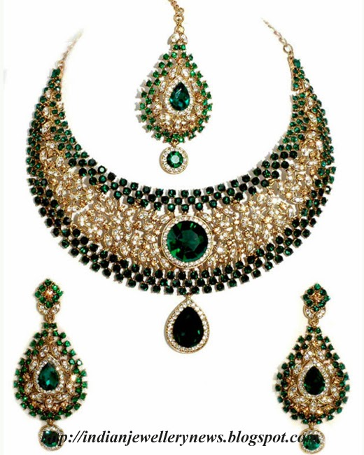 Gorgeous Necklace Set  with Dangle Earring Set