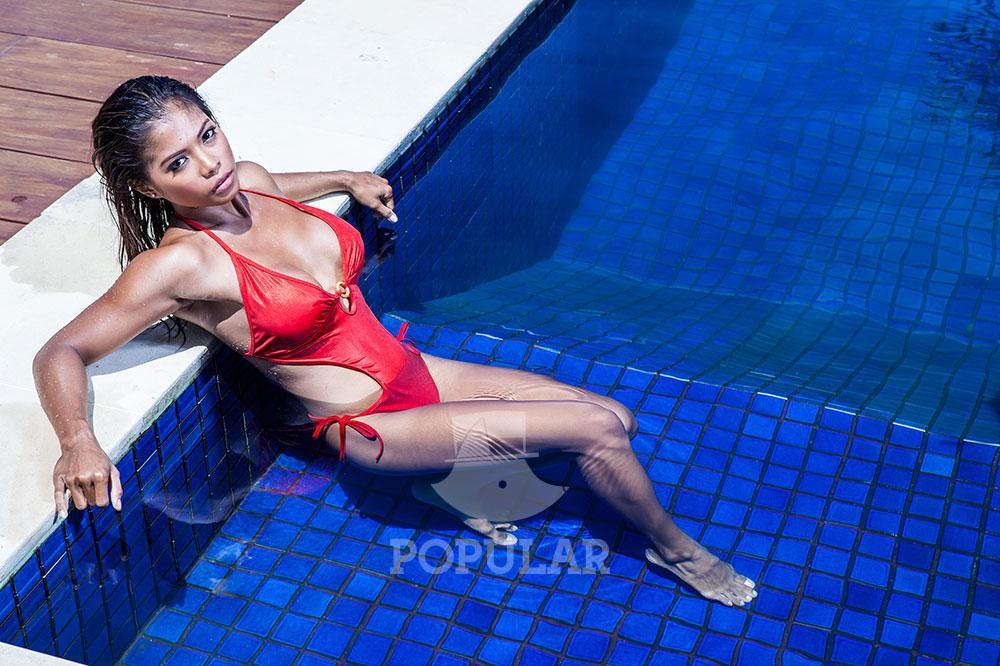 gallery foto full rossana hanna bikini wild wild wet