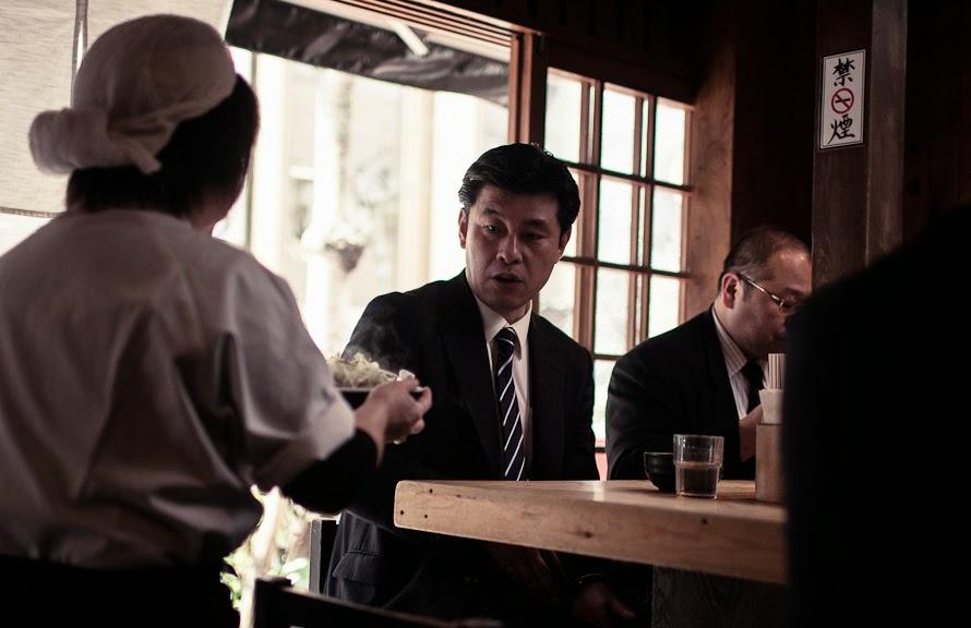 Buen servicio en restaurante japonés