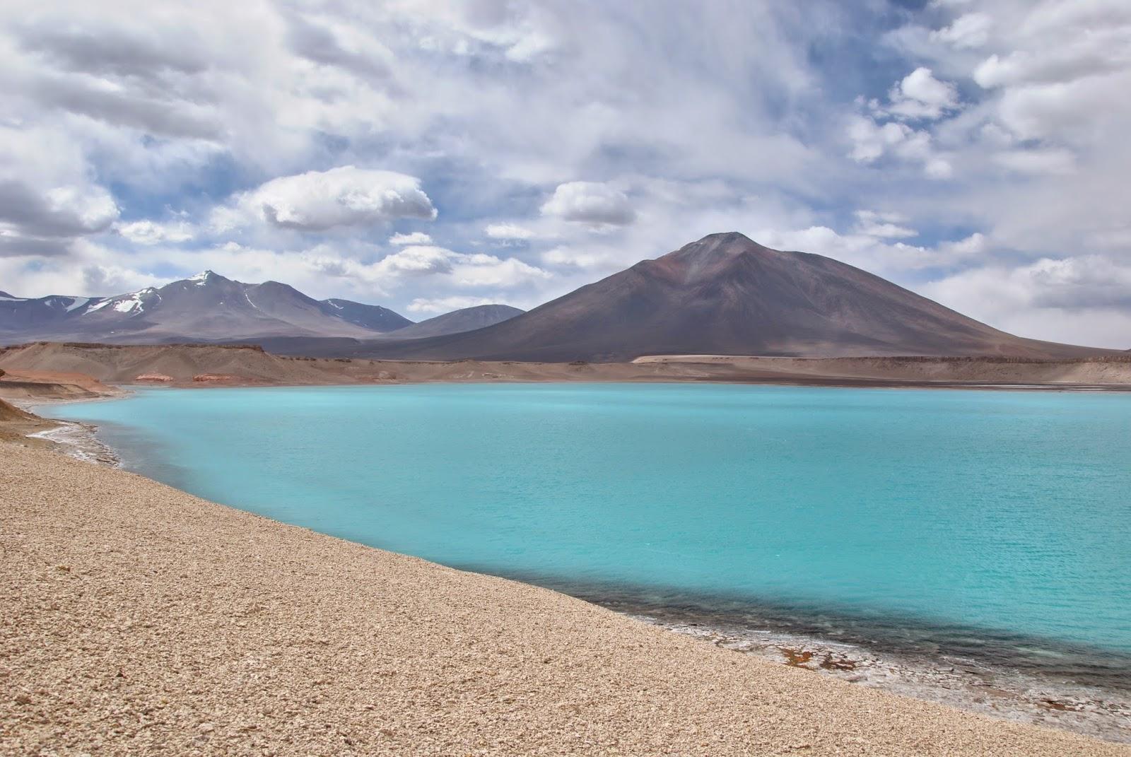 Laguna Verde et Volcan Ojo del Salado - Chili