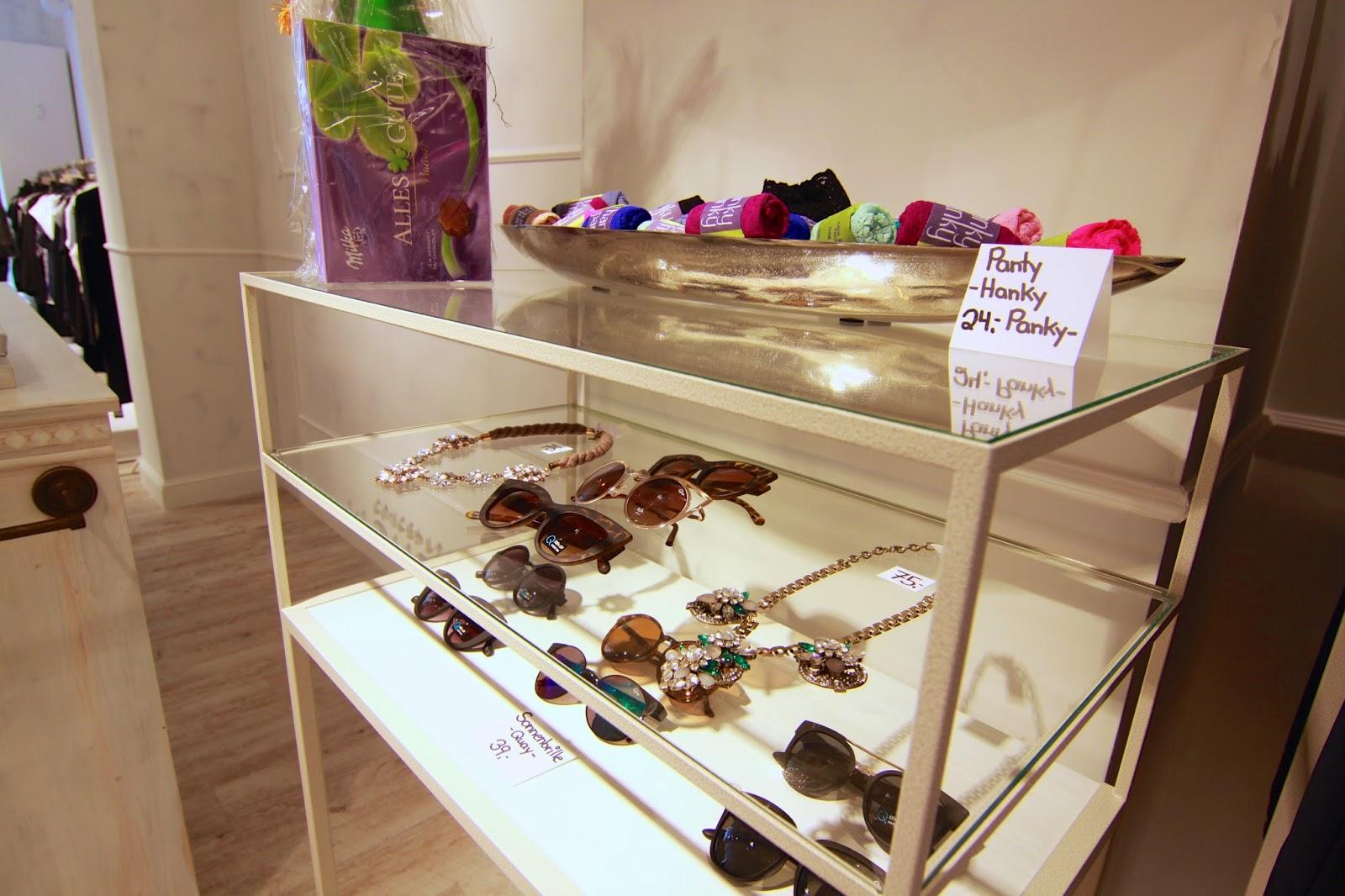 Sonnenbrillen im Mondelli Concept Store Würzburg