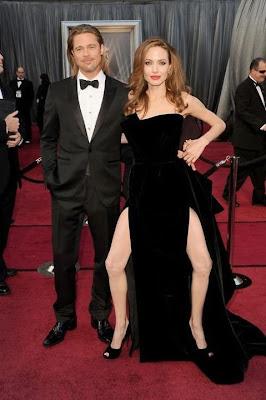 foto burla y parodia de las dos piernas de angelina jolie en los oscars 2012