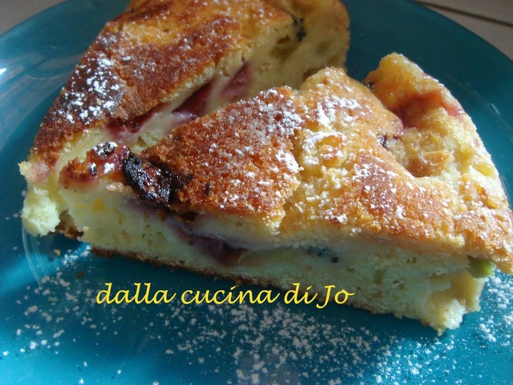 torta in padella con fragole e kiwi